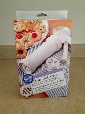 Wilton Spritz Cookie Press New In Box With 12 Disc Designs New Old Stock 2000