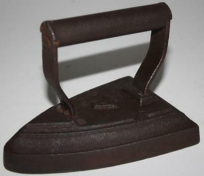 Antique Number 4 Sad Iron Early 20th Century - FREE Delivery [PL928]