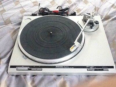 Technics Quartz Direct Drive Automatic Turntable SL-Q20 (Silver)
