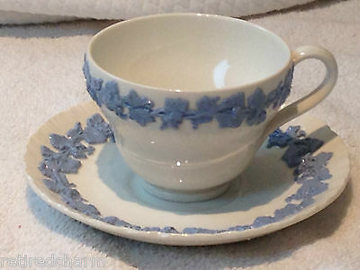 ❤WEDGWOOD QUEENSWARE ETRURIA TEA CUP SAUCER BLUE WHITE SHELL Tiny chip TEACUP❤