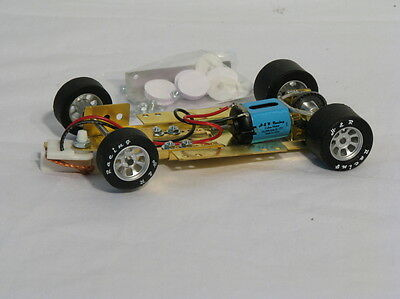 HRCH06 1/24 RTR adj Chassis 26,000 rpm mtr and silicone/rubber Nascar wheels