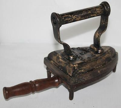 Antique T SHELDON Flat Sad Iron No. 5 and Rest Trivet c1890 - FREE P&P [PL1036]