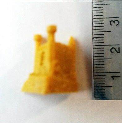 Dungeons and Dragons Plastic Miniatures Yellow Castle Tokens x 3 (15mm scale)