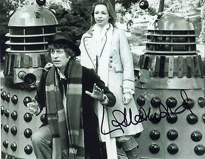 """FAB NEW 10"""" x 8"""" B&W PHOTO ( COA ) SIGNED """"TTM"""" BY LALLA WARD """"DOCTOR WHO"""" POSE"""