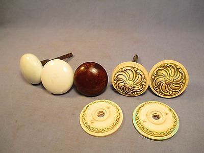 Lot of 5 Assorted Antique Door Knobs /    JU 206