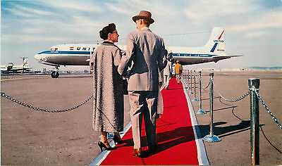 Passengers enjoying Red Carpet Service ~UNITED AIRLINES~ Old Postcard, 1955