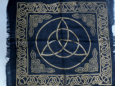 "Altar Cloth/Wiccan/Pagan/Wall Tapestry/Scarve Gold Triquetra 18"" x 18"" SCV206"
