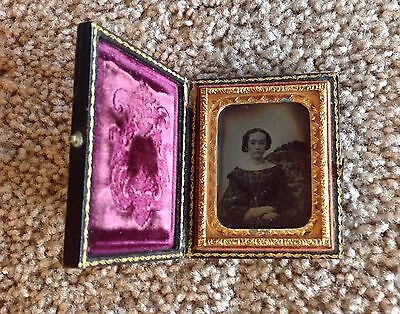 1/9th Plate Ambrotype of a Young Woman in a Full Case