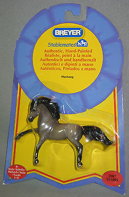"""Breyer Mustang Horse Stablemate  2011  4"""" x 3"""" model horse NEW # 5907 1:32"""