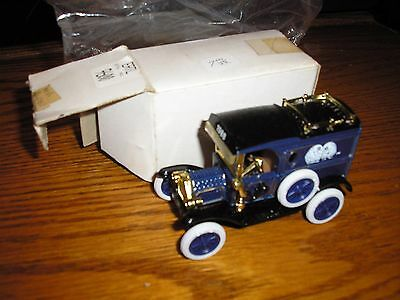 Vintage 1/64 ? Ertl 1913 Ford Model T Delivery Panel Van Number Two in a series