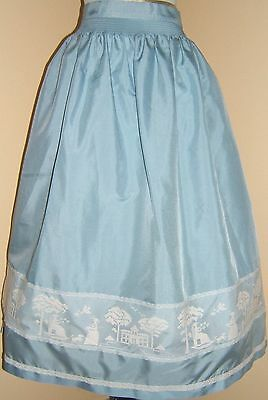 Beautiful German Dirndl Apron Waitress Smocked W. Lacy Details Oktoberfest  EUC