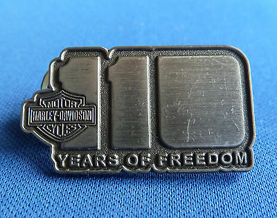 RARE HARLEY DAVIDSON 110 YEARS OF FREEDOM Lapel Badge