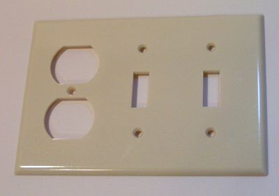 Vintage Ivory Bakelite Plain LEVITON Double Toggle OUTLET Switchplate Cover
