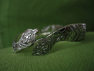 Moroccan Jewelry:  Unusual silver coloured 'Snake Head' bracelet NEW.