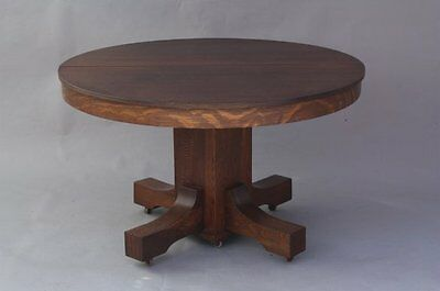 Circa 1910 Arts & Crafts Quarter Sawn Oak Wood Round Table Dining Room (8031)
