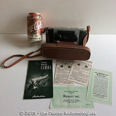 Vintage REALIST STEREO CAMERA w/carrying case & manual