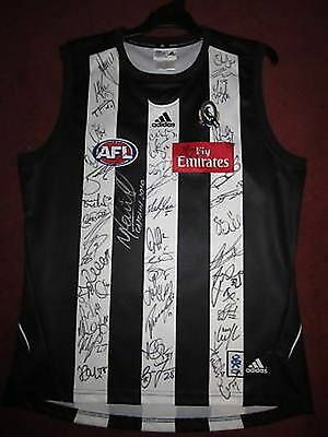 Collingwood Magpies 2010 Fully Signed Jumper Swan 44+