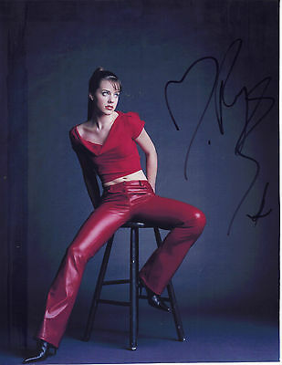 "STUNNING 10"" x 8"" COLOUR PHOTO (COA) SIGNED ""TTM"" BY MICHELLE RYAN ""EASTENDERS"""