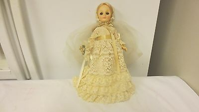 "Effanbee 11"" Bride Doll-Older Lace Style dress with Nosegay, Veil"