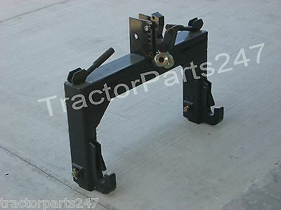 Category 1, Tractor 3-Point QUICK HITCH & 1 Pair of Bushings - Reliable Quality!