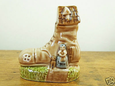 Rare Wade Old Woman who Lived In A Shoe nursery favourites 65mm large boot