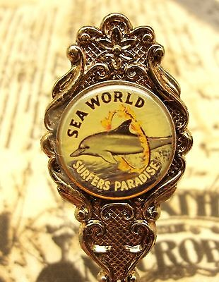 Vintage Sea World souvenir spoon made in Australia silver plated dolphin boxed