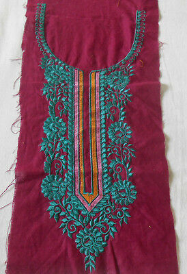 Vintage Embroidered Neck Pacth Applique Purple Base Ep8