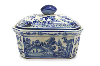 Cute Vintage Style Blue and White Blue Willow Porcelain Candy Box