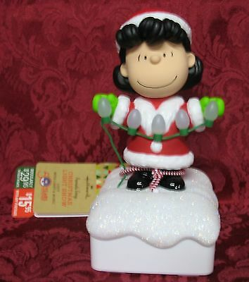 Hallmark 2015 Peanuts Gang Christmas Light Show~Lucy~Light & Music