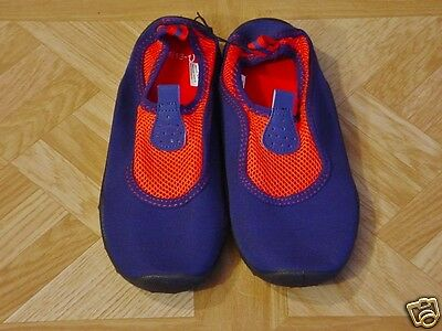 Girls Neoprene Navy Blue/Red Beach and Poolside Water Shoes Size 13-1 Medium