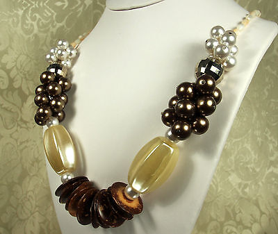 ABSOLUTELY GORGEOUS!!! Vintage 1970 HAWAIIAN NECKLACE~Shells~Nuts~GLASS Pearls