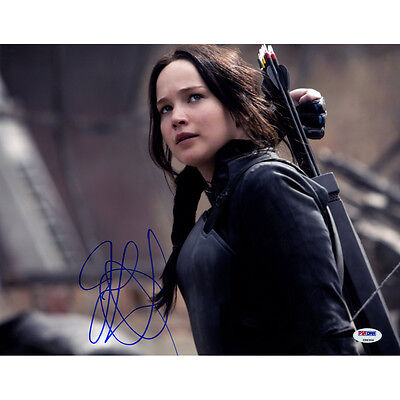 Steiner Jennifer Lawrence Signed Hunger Games With Arrows 11x14 Photo (PSA/DNA)