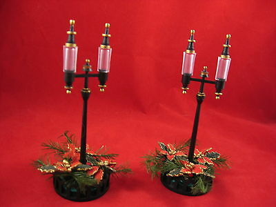 Department 56 Holiday Streetlights Set of 2  Christmas in the City NEW  Rare