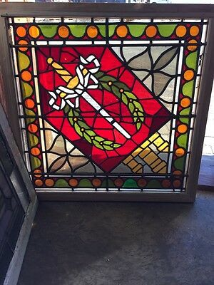 Sg 450 Antiques Stainglass Window Sword In Centered Design With Wreath