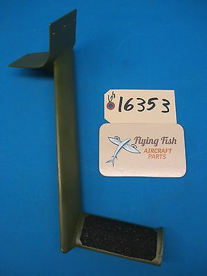 Piper PA-38 Tomahawk RH Right Pilot Step Assembly PRIMED & NEW GRIP TAPE (16353)