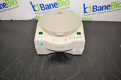 Labnet Microcentrifuge Force 1618