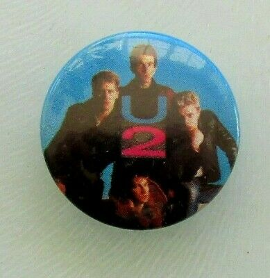U2 GROUP OLD METAL BUTTON BADGE FROM THE 1980's VINTAGE RETRO