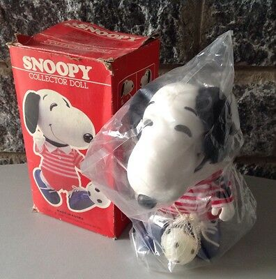 "Rare Snoopy Peanuts Soccer Ball Player Toy Figure Original Clothes 8.5""#Nib Seal"