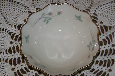 Lenox/USA - Rose Manor - Small 4-inch wide Bowl - Gold Backstamp