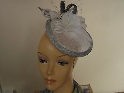 Lovely fascinator hat Ascot races green red black mother of the bride party