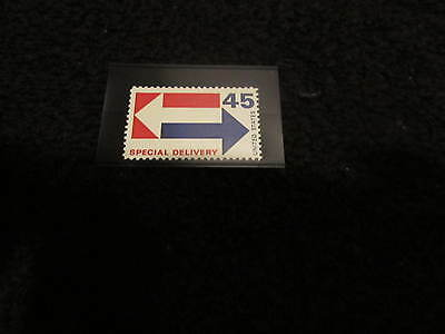 45c U.S. SPECIAL DELIVERY POSTAGE STAMP - ARROWS  MNH  SCOTT#E22