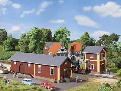 Auhagen 11435 NEW HO STEINBACH STATION WITH WATER HOUSE