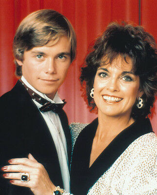 Christopher Atkins & Linda Gray UNSIGNED photo - P2307 - Dallas