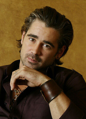 Colin Farrell UNSIGNED photo - P2936 - HANDSOME!!!!!