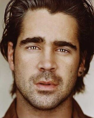 Colin Farrell UNSIGNED photo - P2956 - HANDSOME!!!!!
