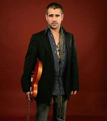 Colin Farrell UNSIGNED photo - P2965 - HANDSOME!!!!!