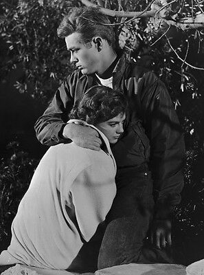 James Dean & Natalie Wood ‏ 10x 8 UNSIGNED photo - P501 - Rebel Without A Cause