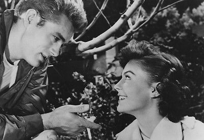 James Dean & Natalie Wood ‏ 10x 8 UNSIGNED photo - P517 - Rebel Without A Cause