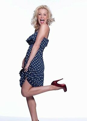 Kellie Pickler UNSIGNED photo - P1713 - American country music  singer