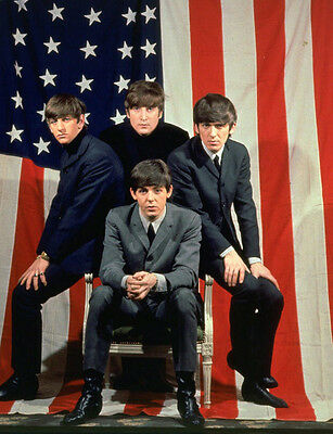 The Beatles  10x 8 UNSIGNED photo - P541 - American flag